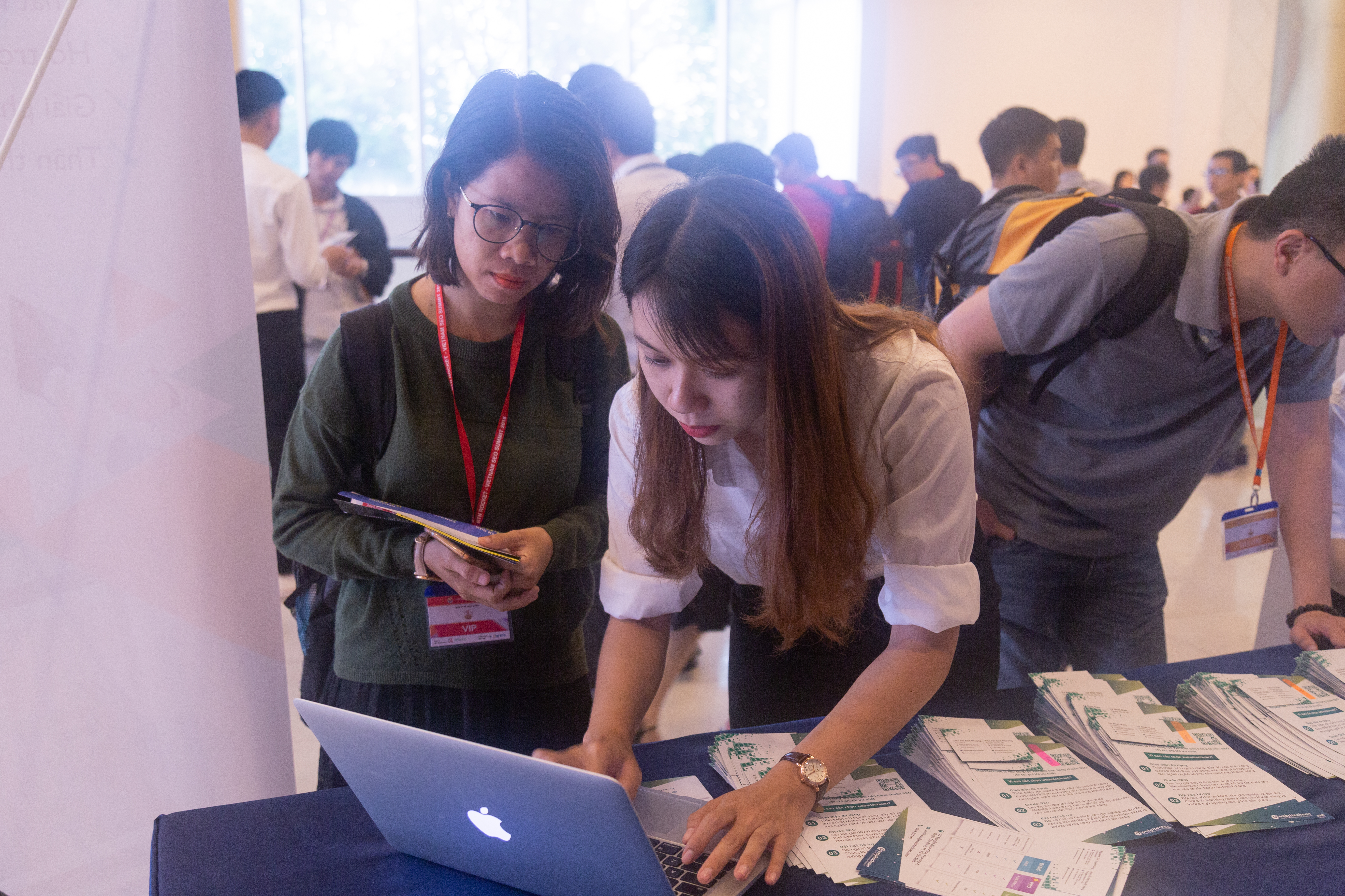 Đội ngũ Websitechuan- tư-van-SEO-Summit
