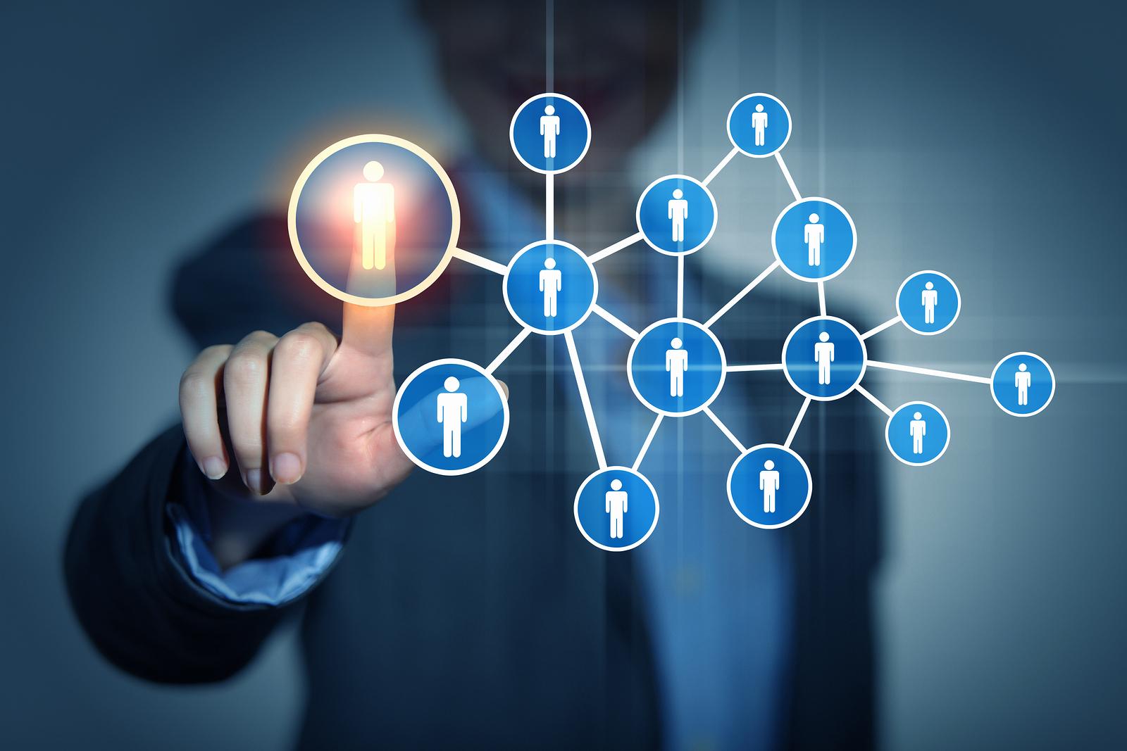 Việc chọn danh sách từ khóa, chủ đề phù hợp cho chiến dịch là điều khó khăn mà các doanh nghiệp đang gặp phải. Bạn có thể dựa vào chân dung khách hàng mục tiêu.